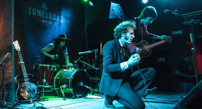Blues-Daddy-Long-Legs-en-concierto-Valencia
